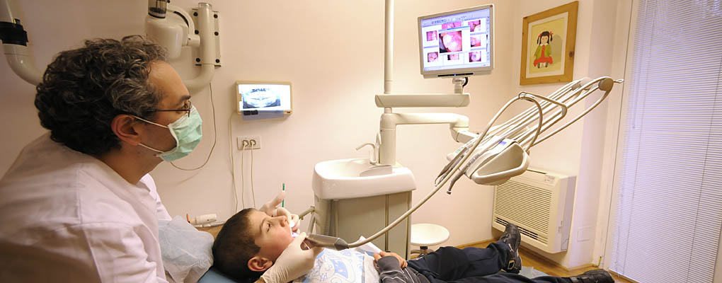 Comunicare al paziente con telecamera intraorale
